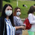 Москвичам с 1 июня разрешили гулять в масках по расписанию